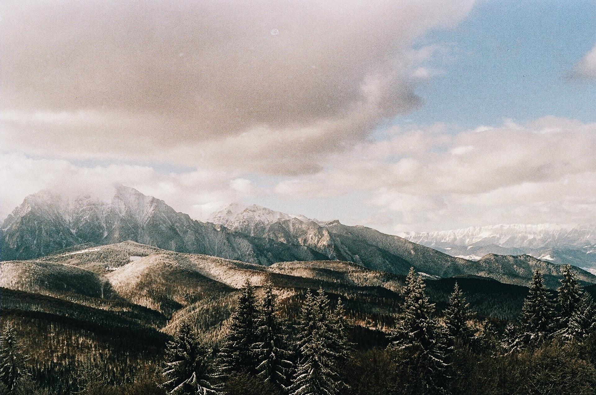 Unde ieşim la munte? - Trasee montane din judetul Mures si imprejurimi